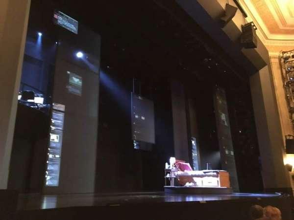 Music Box Theatre, secção: Orchestra R, fila: E, lugar: 13