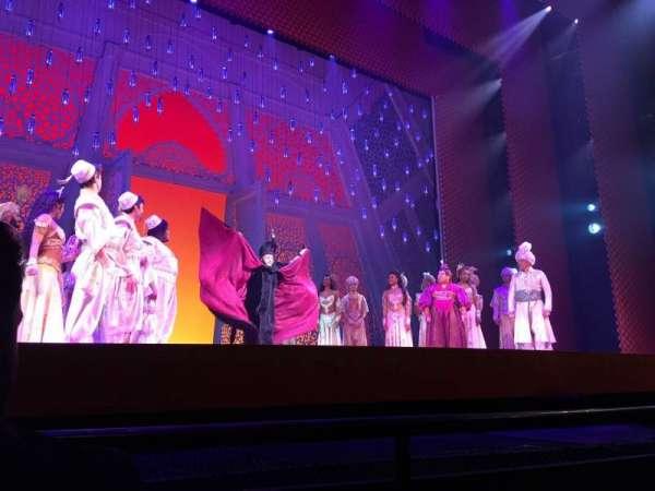 New Amsterdam Theatre, secção: Orchestra L, fila: B, lugar: 1