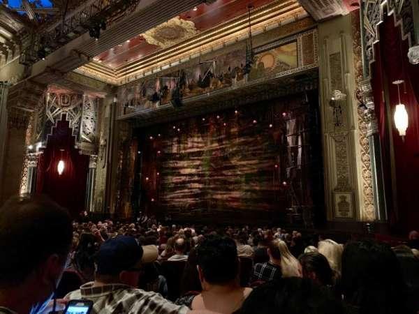 Hollywood Pantages Theatre, secção: Orchestra R, fila: W, lugar: 8
