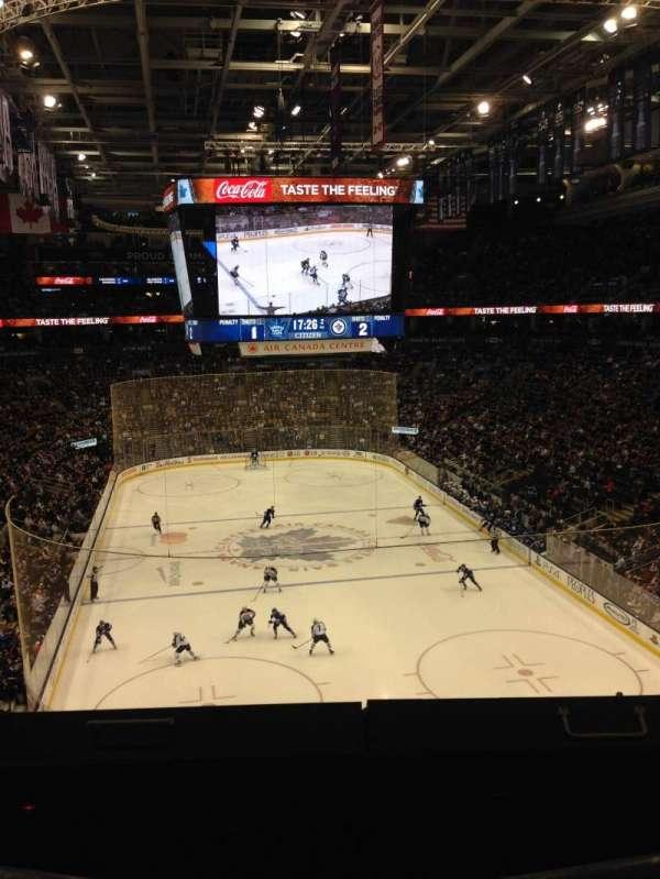 Scotiabank Arena, secção: 304, fila: 1, lugar: 3, 4
