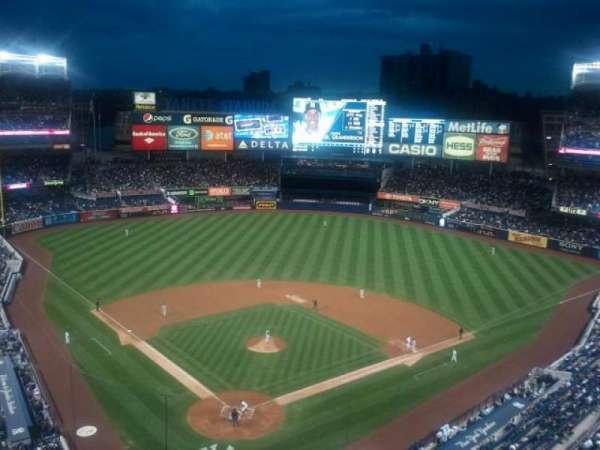 Yankee Stadium, secção: 420a, fila: 2, lugar: 14