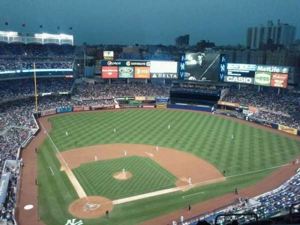 Yankee Stadium, secção: 419, fila: 10, lugar: 10