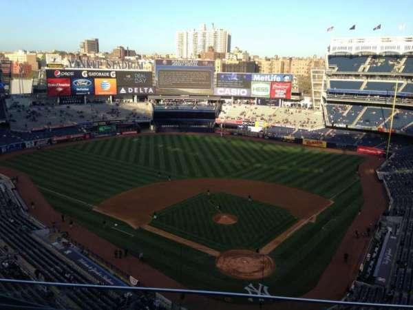 Yankee Stadium, secção: 420c, fila: 3, lugar: 11