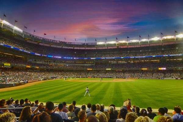 Yankee Stadium, secção: 104, fila: 18, lugar: 20