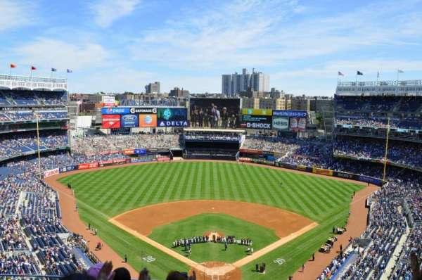 Yankee Stadium, secção: 420B, fila: 4, lugar: 16