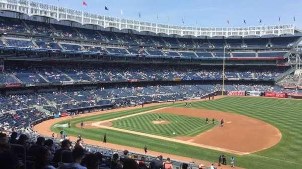 Yankee Stadium, secção: 214a, fila: 17, lugar: 9