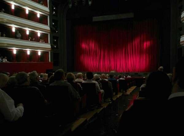 Volksoper Wien, secção: Parkett Rechts, fila: 19, lugar: 8