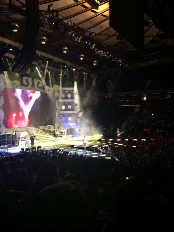 Madison Square Garden, secção: 117, fila: 10, lugar: 8