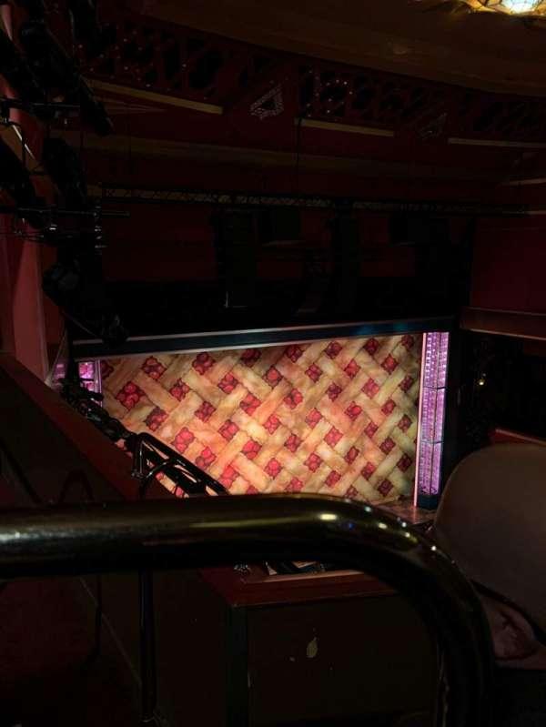 Adelphi Theatre, secção: Upper Circle, fila: B, lugar: 34