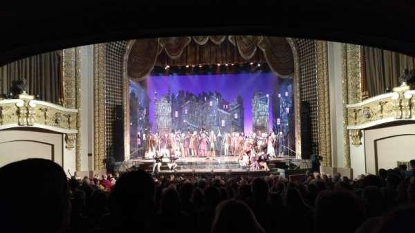 Pabst Theater, secção: Orchestra, fila: T, lugar: 8