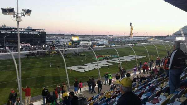 Daytona International Speedway, secção: Campbell Box I, fila: 14, lugar: 35