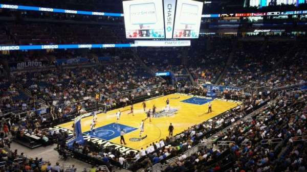Amway Center, secção: Chase Club Suite A, fila: C, lugar: 8