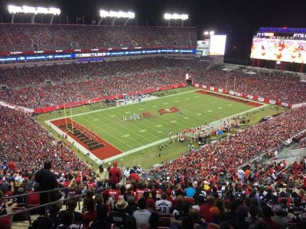 Raymond James Stadium, secção: 304, fila: BB, lugar: 6