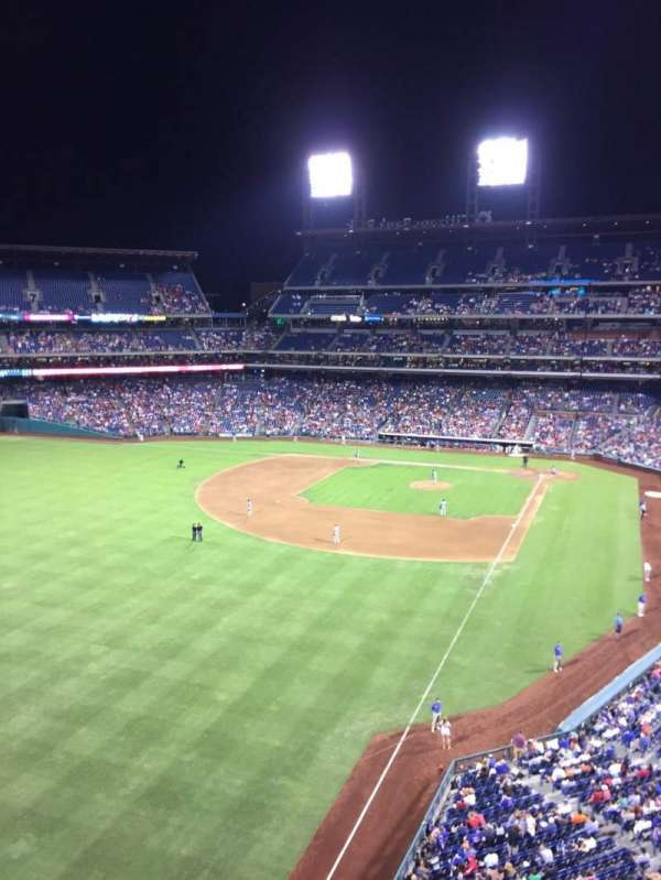 Citizens Bank Park, secção: 333, fila: 1, lugar: 23