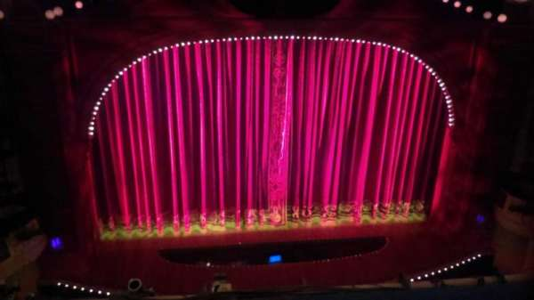 Shubert Theatre, secção: Balcony C, fila: B, lugar: 112