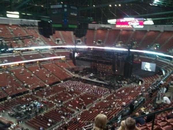 Honda Center, secção: 439, fila: R, lugar: 6