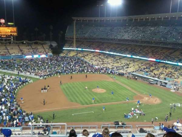 Dodger Stadium, secção: 19RS, fila: G, lugar: 22