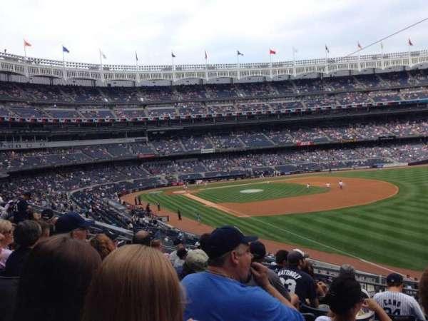 Yankee Stadium, secção: 210, fila: 8, lugar: 3