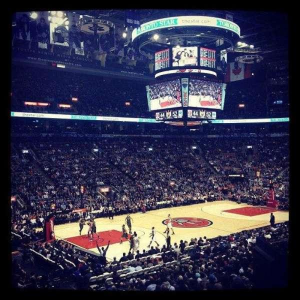 Scotiabank Arena, secção: 121, fila: 24, lugar: 17
