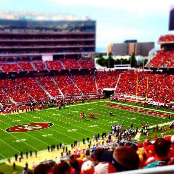 Levi's Stadium, secção: 221, fila: 23, lugar: 1