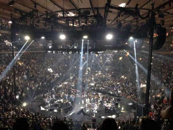 Madison Square Garden, secção: 218, fila: 3, lugar: 14
