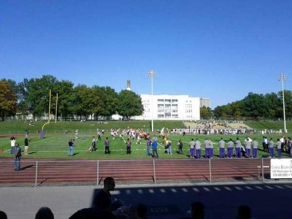University Field, secção: 800, fila: H, lugar: 11