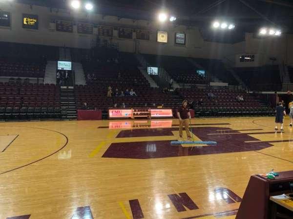 McGuirk Arena, secção: 115, fila: A, lugar: 2