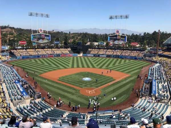 Dodger Stadium, secção: 3RS, fila: H, lugar: 1