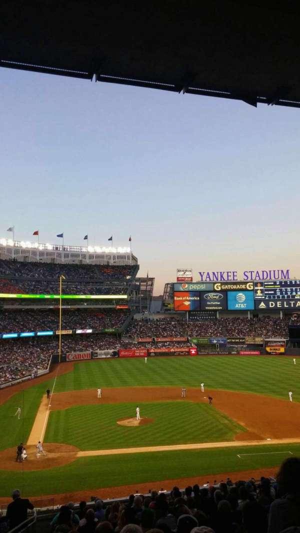 Yankee Stadium, secção: 217 , fila: 18, lugar: 21