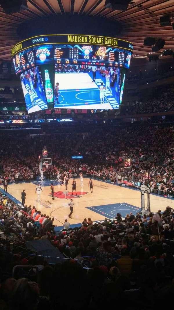 Madison Square Garden, secção: 111, fila: 18, lugar: 1