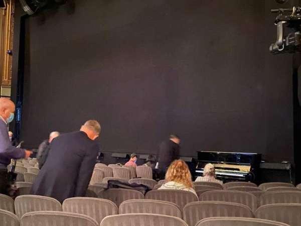 Nederlander Theatre, secção: Orchestra R, fila: M, lugar: 22