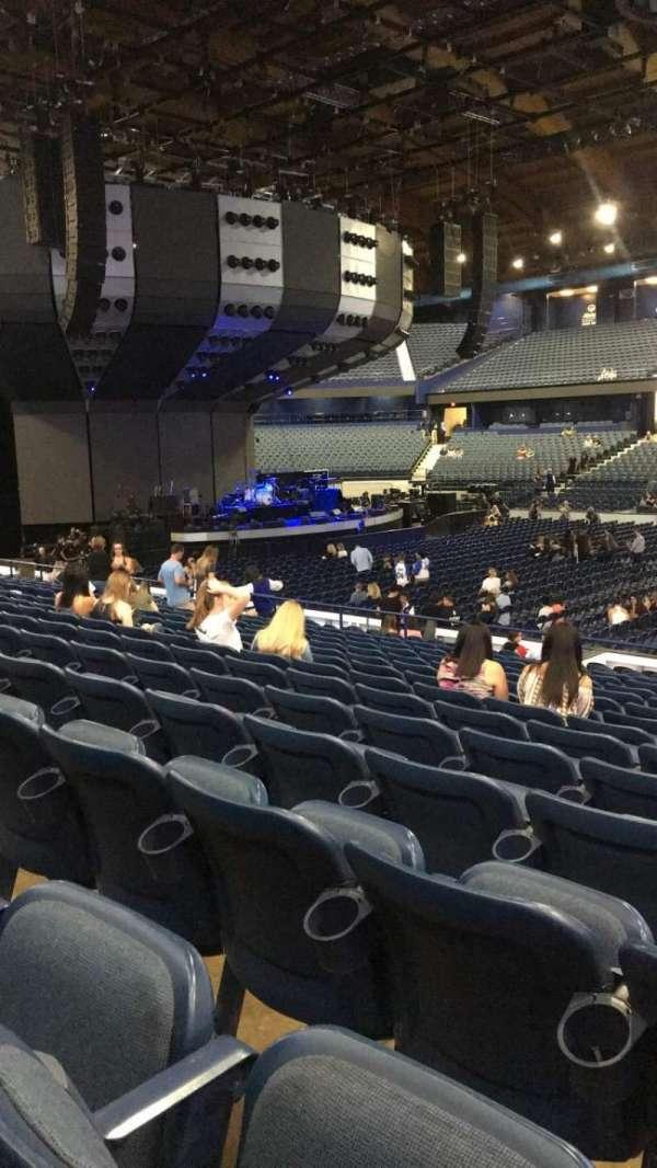Allstate Arena, secção: 102, fila: N, lugar: 5