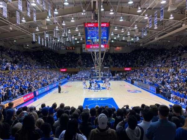 Cameron Indoor Stadium, secção: 2, fila: A, lugar: 21