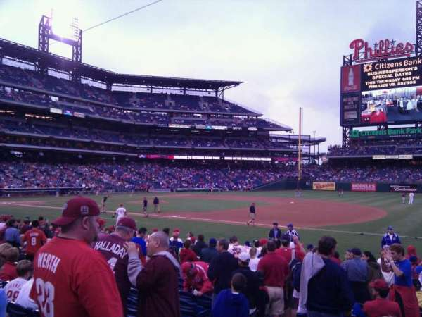 Citizens Bank Park, secção: 113, fila: 15, lugar: 13