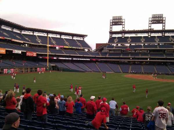 Citizens Bank Park, secção: 144, fila: 14, lugar: 9