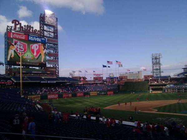 Citizens Bank Park, secção: 128, fila: 25, lugar: 2