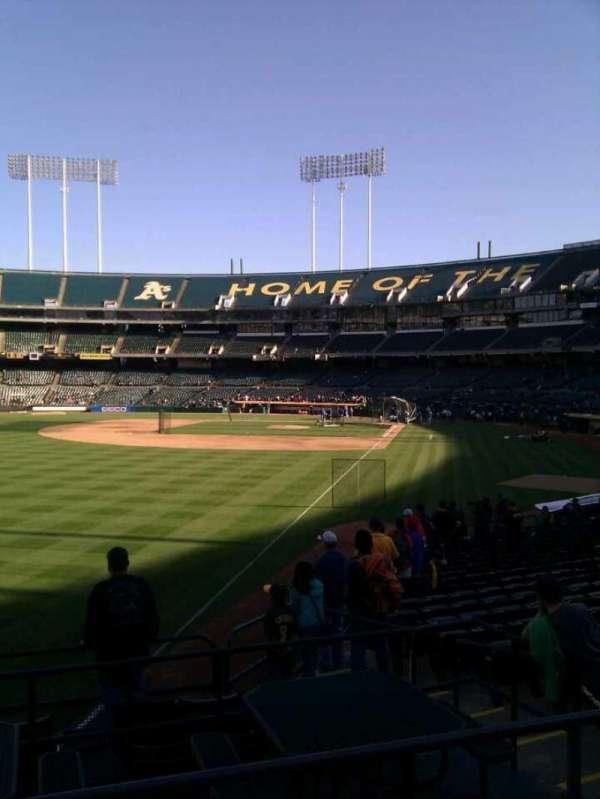 Oakland Coliseum, secção: 131, fila: 23, lugar: 9