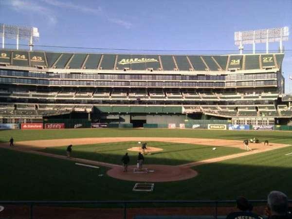 Oakland Coliseum, secção: 117, fila: 17, lugar: 10