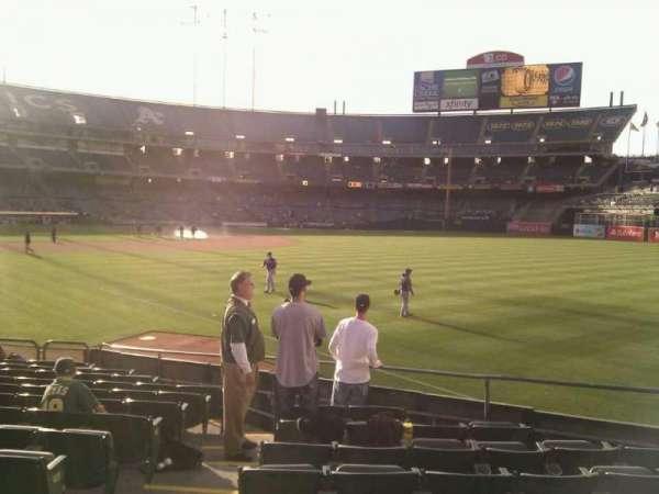 Oakland Coliseum, secção: 104, fila: 14, lugar: 15