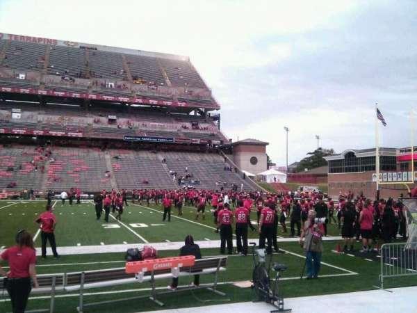 Maryland Stadium, secção: 26, fila: d, lugar: 10