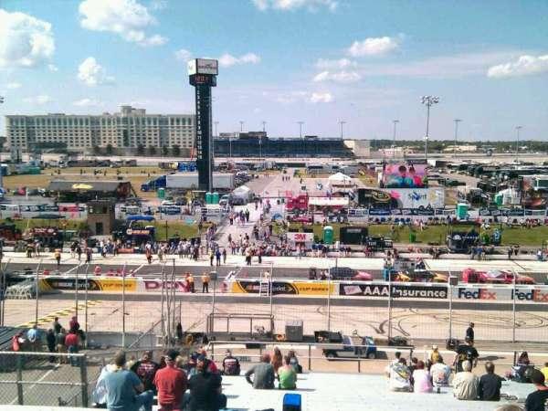 Dover International Speedway, secção: 251, fila: 30, lugar: 9