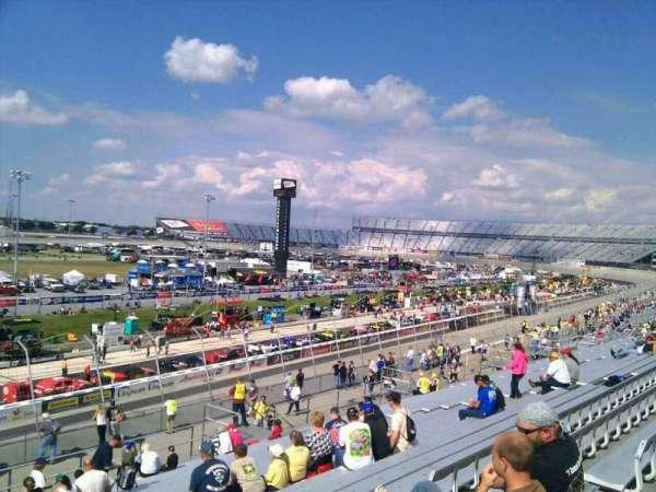Dover International Speedway, secção: 111, fila: 30, lugar: 9