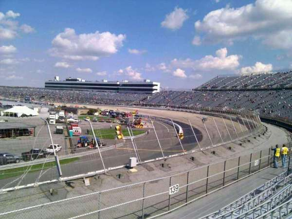Dover International Speedway, secção: 140, fila: 14, lugar: 9
