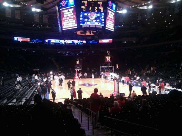 Madison Square Garden, secção: 101, fila: 6, lugar: 10