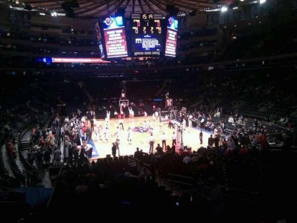 Madison Square Garden, secção: 111, fila: 15, lugar: 14