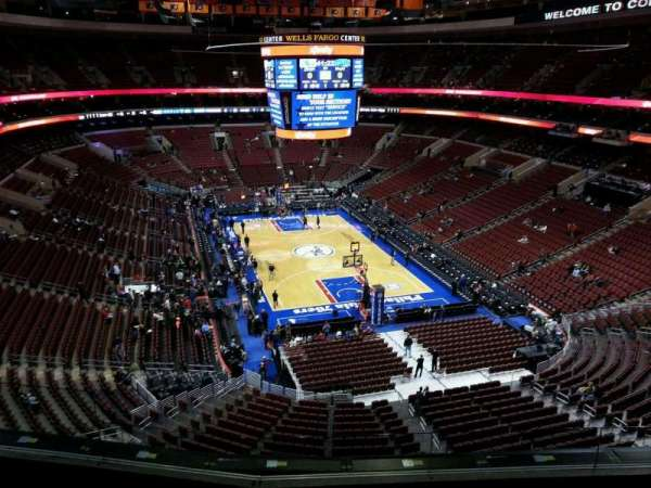 Wells Fargo Center, secção: 206, fila: 5, lugar: 3