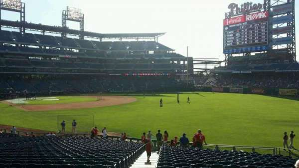 Citizens Bank Park, secção: 108, fila: 34, lugar: 18
