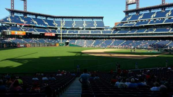 Citizens Bank Park, secção: 137, fila: 30, lugar: 18