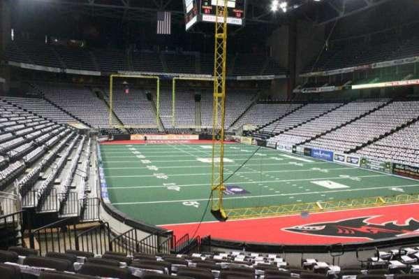 VyStar Veterans Memorial Arena, secção: 121, fila: M, lugar: 3