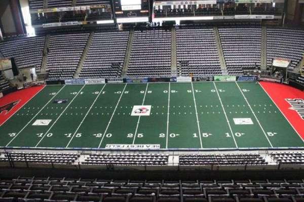 VyStar Veterans Memorial Arena, secção: 320, fila: F, lugar: 8